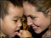 Angelina Jolie e hijo