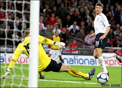 Steven Gerrard scores England's second goal against the United States