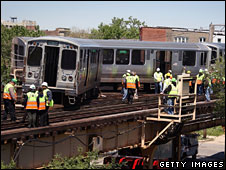 Derailed train in Chicago, 28 May 2008