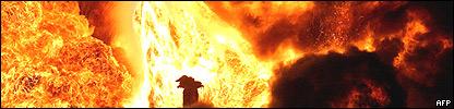 Incendio de pozos petroleros en Irak.