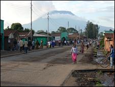 Rwandan town (BBC)