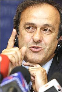 Michael Platini habla en el congreso de la UEFA en Mosc�