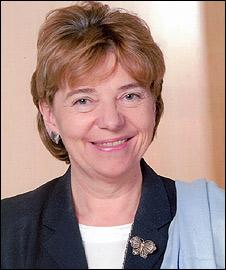 Dame Patricia Hodge