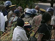Anglican opposition MDC worshipers leave a service allegedly disrupted by riot police in Harare - 4 May 2008