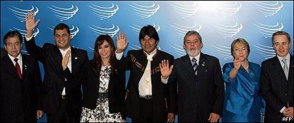 Nicanor Duarte, Rafael Correa, Cristina Fernández , Evo Morales, Luiz Inacio Lula , Michelle Bachelet y Alvaro Uribe,  AFP