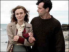 Keira Knightley and Matthew Rhys in The Edge of Love