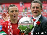 Ebbsfleet captain Paul McCarthy and manager Liam Daish with the FA Trophy