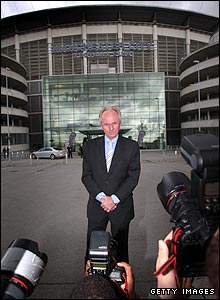 Sven is appointed as Manchester City boss