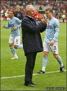 Sven greets his players following defeat at Middlesbrough