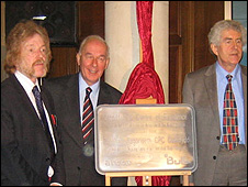 Prof Martyn Guest, vice chancellor Dr David Grant and First Minister Rhodri Morgan