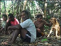Familia John en su isla (Foto: James Mair)