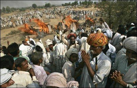 Gujjar tribesmen cremated