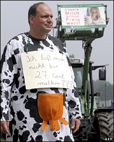 German farmer protests against milk prices (4 June 2008)