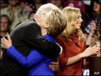 Bill, Hillary y Chelsea Clinton