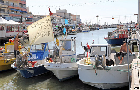 French fishermen set a blockade in the southern harbour of Palavas