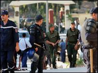 أفراد أجهزة أمنية مختلفة في الجزائر