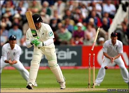 Brendon McCullum bowled by James Anderson