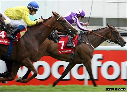 Lady Gloria ridden by Tom Queally