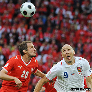 Swiss defender Patrick Muller and Czech forward Jan Koller