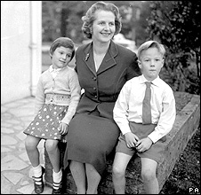 Carol, Margaret and Mark Thatcher in 1959