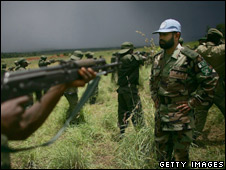 Congo army soldiers participate in training exercises with a UN peace keeper in Bunia, Congo (file photo)