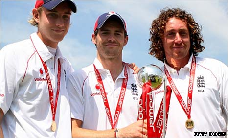 England seam bowling trio Stuart Broad, James Anderson and Ryan Sidebottom