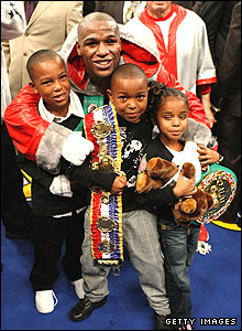 Floyd Mayweather and family