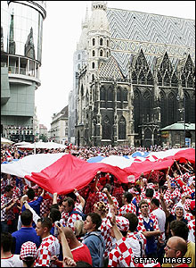 Thousands of Croatia supporters descend on the centre of Vienna