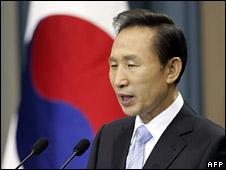 South Korean President Lee Myung-bak (file image)