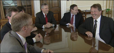 (L-R) Gregory Campbell, Jeffrey Donaldson, Arlene Foster, Peter Robinson, Nigel Dodds and Sammy Wilson