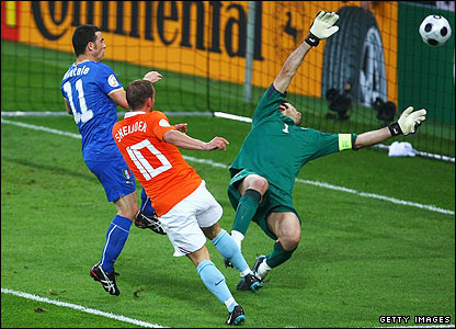 Wesley Sneijder superbly volleys past Buffon as the Dutch take control