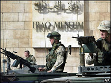 US soldiers outside the Iraqi Museum in Baghdad, 11 November 2003