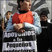 Manifestantes en apoyo de los agricultores