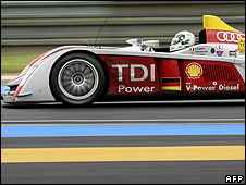 Allan McNish in the Audi R10 TDi at Le Mans