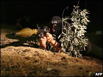 Palestinian militants guard border with Israel