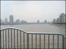 Flood from Tangjiashan quake lake gone through the city of Mianyang