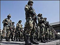Soldados mexicanos en Tijuana, abril 2008