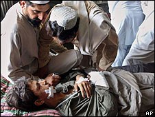 Pakistani tribesman from Mohmand tribal region, injured in a clash between Afghan forces and Taliban militants (11.06.08)