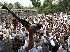 Pakistani tribesmen chant after alleged US missile strike in Bajur tribal region, Pakistan (May 2008)