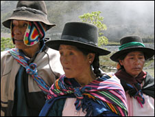 Aurelio Condoray (left) with relatives, in Putis, Peru