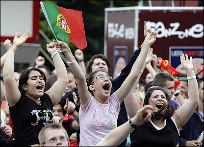 Portugal fans celebrate Ronaldo's strike