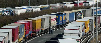 Camiones bloqueando carreteras