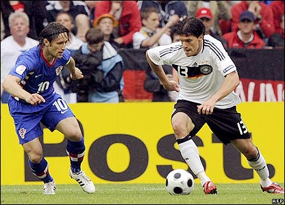 Ballack looks to score