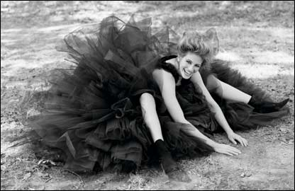 Julia Roberts (courtesy Herb Ritts Foundation)