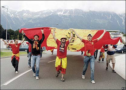 Spain fans arrive at the stadium