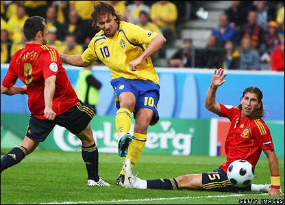 Ibrahimovic equalises for Sweden