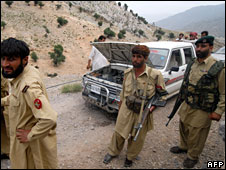 Pakistani soldiers near the Afghan border, file pic from June 2008