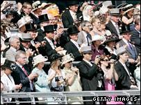 Ascot crowd