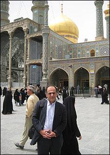 Visitng the shrine of Hazrate Masoume, a evered female Shia saint