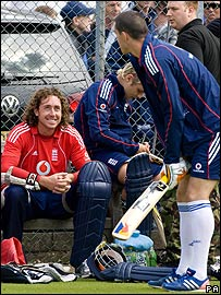 Kevin Pietersen (back to camera) and Ryan Sidebottom